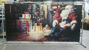 kerstman met kado's met frame € 50,00